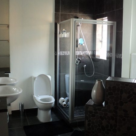 Bathroom-A-3.jpg