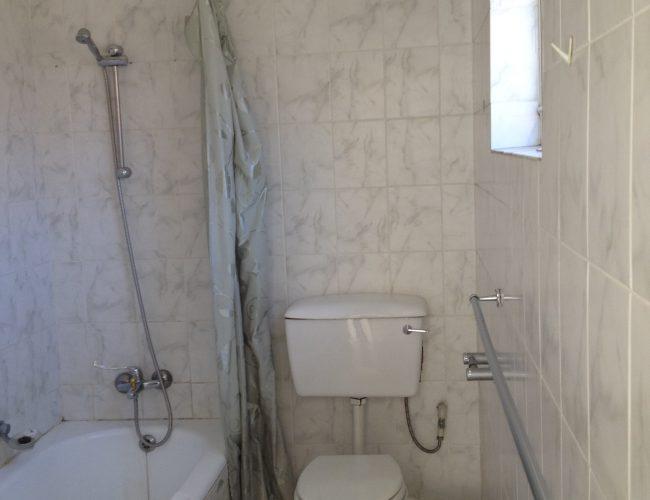 Bathroom-C-1.jpg