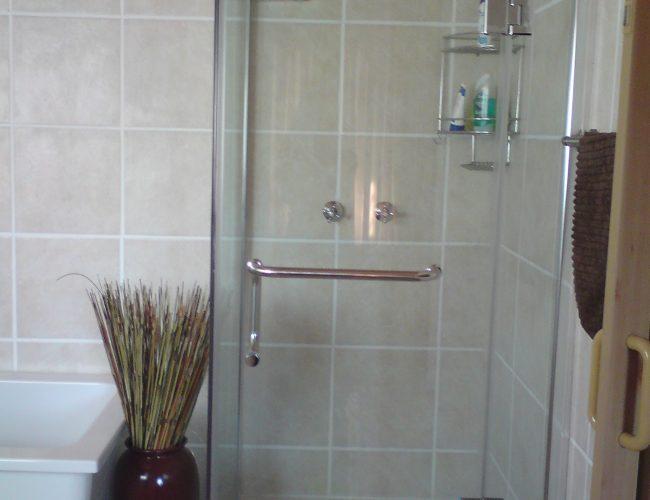 Bathroom D (3)